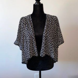Forever 21 Short Cover-Up Black White Floral Small